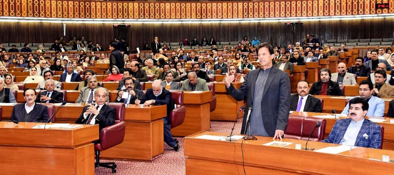 นายกรัฐมนตรีอิมราน ข่าน แห่งปากีสถาน กล่าวต่อสภา รัฐบาลปากีสถานตัดสินใจปล่อยตัวนักบินอินเดีย เพื่อลดระดับความรุนแรง ตึงเครียดระหว่างอินเดียกับปากีสถาน