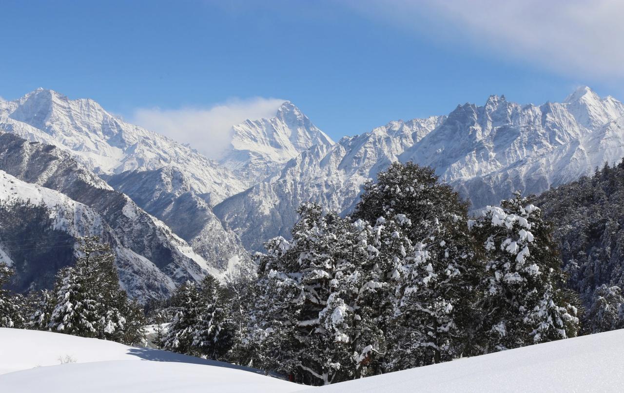 ภูเขานันทาเทวี ในเทือกเขาหิมาลัย