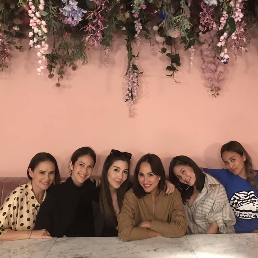 6 สาวแก๊งนางฟ้า ขอบคุณภาพจากไอจี @ann_laisuthruklai