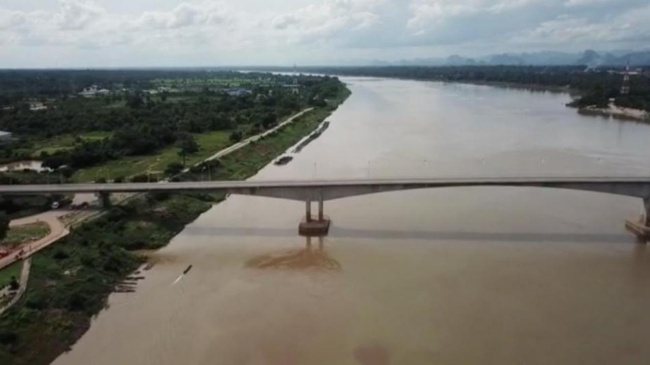 จ.นครพนม แม่น้ำโขงลดระดับเข้าวิกฤติสุดในรอบ 10 ปี ต่ำกว่า 2 เมตร