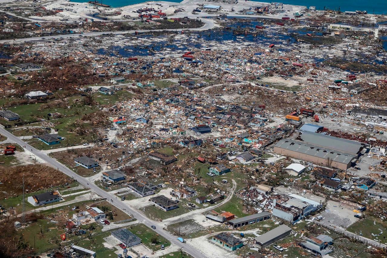 ภาพความเสียหายที่เมืองฟรีพอร์ต บนเกาะแกรนด์ บาฮามาส