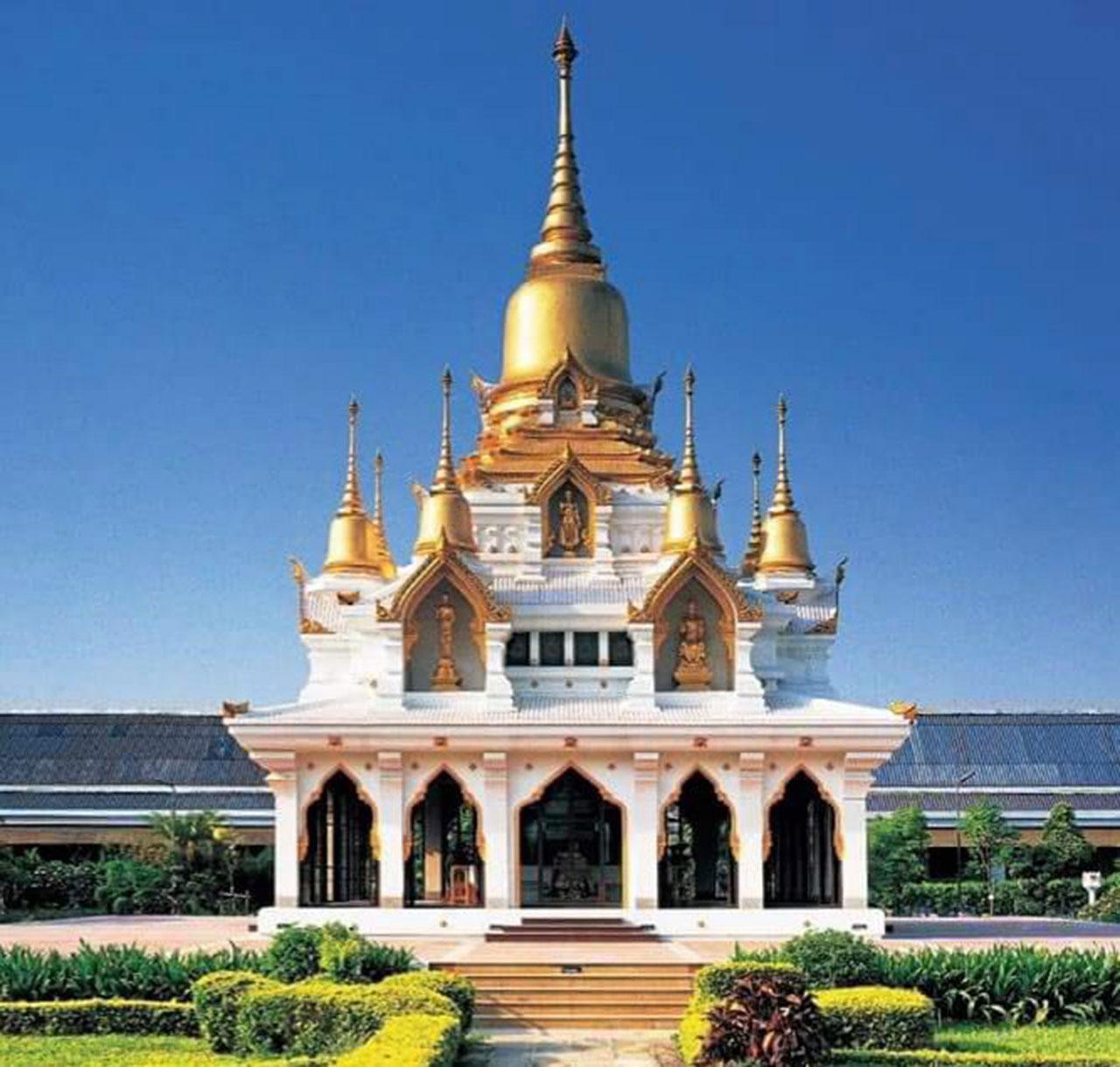 พระมหาธาตุเจดีย์เฉลิมราชศรัทธา ซึ่ง พระบาทสมเด็จพระบรมชนกาธิเบศรมหาภูมิพลอดุลยเดชมหาราช บรมนาถบพิตร โปรดเกล้าฯให้สร้างขึ้น ณ วัดไทยกุสินาราเฉลิมราชย์อินเดีย.