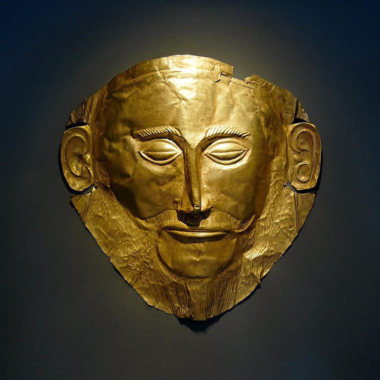 หน้ากากทองที่ชลีมานน์เชื่อว่าเป็นของอกาเมมนอน.