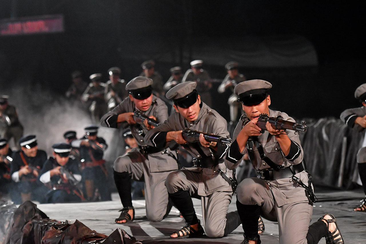 เหล่าทหารหลวงประทับปืนยิงขับไล่กบฏฮ่อ ความภาคภูมิใจของชาวหนองคาย.