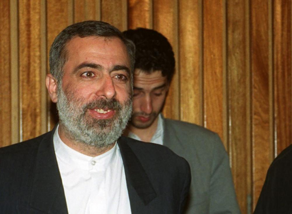 นาย Hossein Sheikholeslam นักการเมืองอิหร่าน  อดีตเอกอัครราชทูตอิหร่านประจำซีเรีย ซึ่งผลการตรวจวินิจฉัยพบติดเชื้อโควิด-19