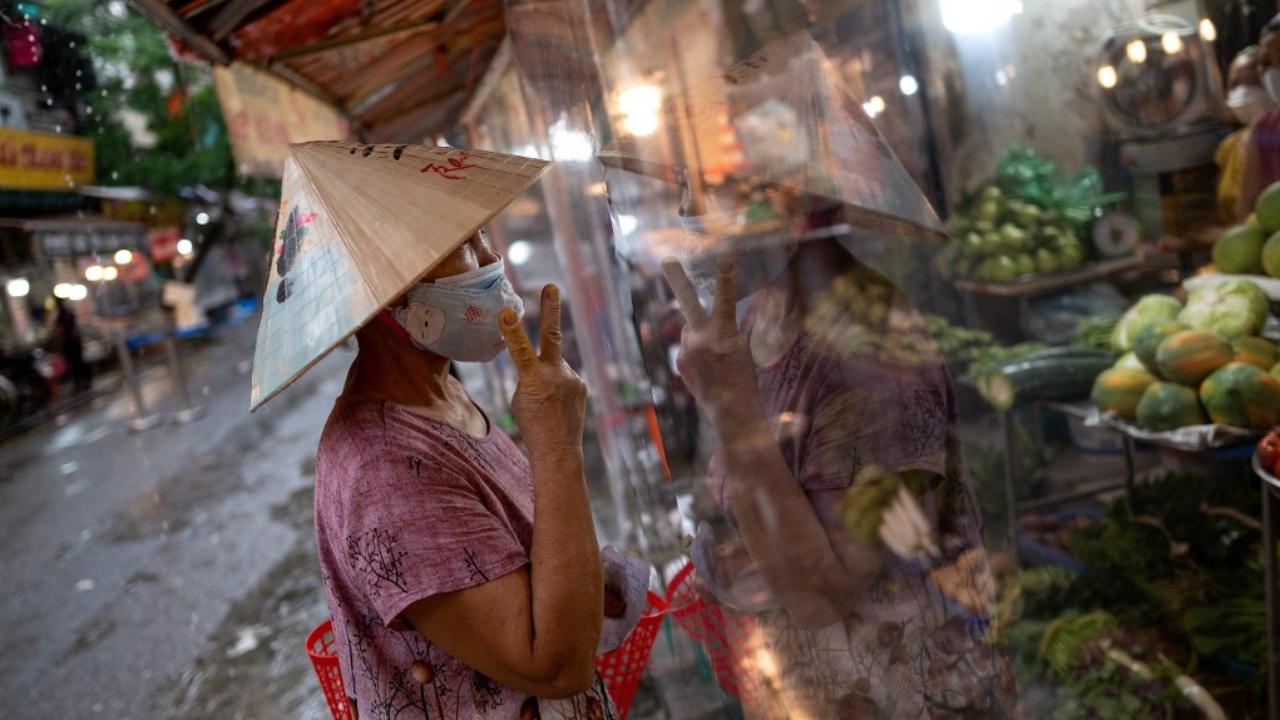 เวียดนามมั่นใจ เตรียมคลายล็อกโควิดสัปดาห์นี้ หลังยอดติดเชื้อต่ำกว่าหมื่นราย