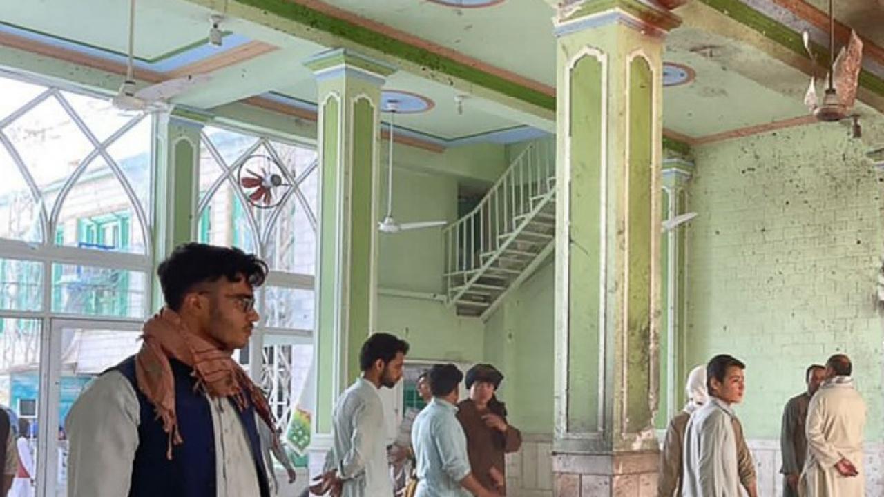 สุดเหี้ยม ระเบิดถล่มมัสยิดในอัฟกานิสถาน ตายเจ็บเกลื่อนกว่า 30 ศพ
