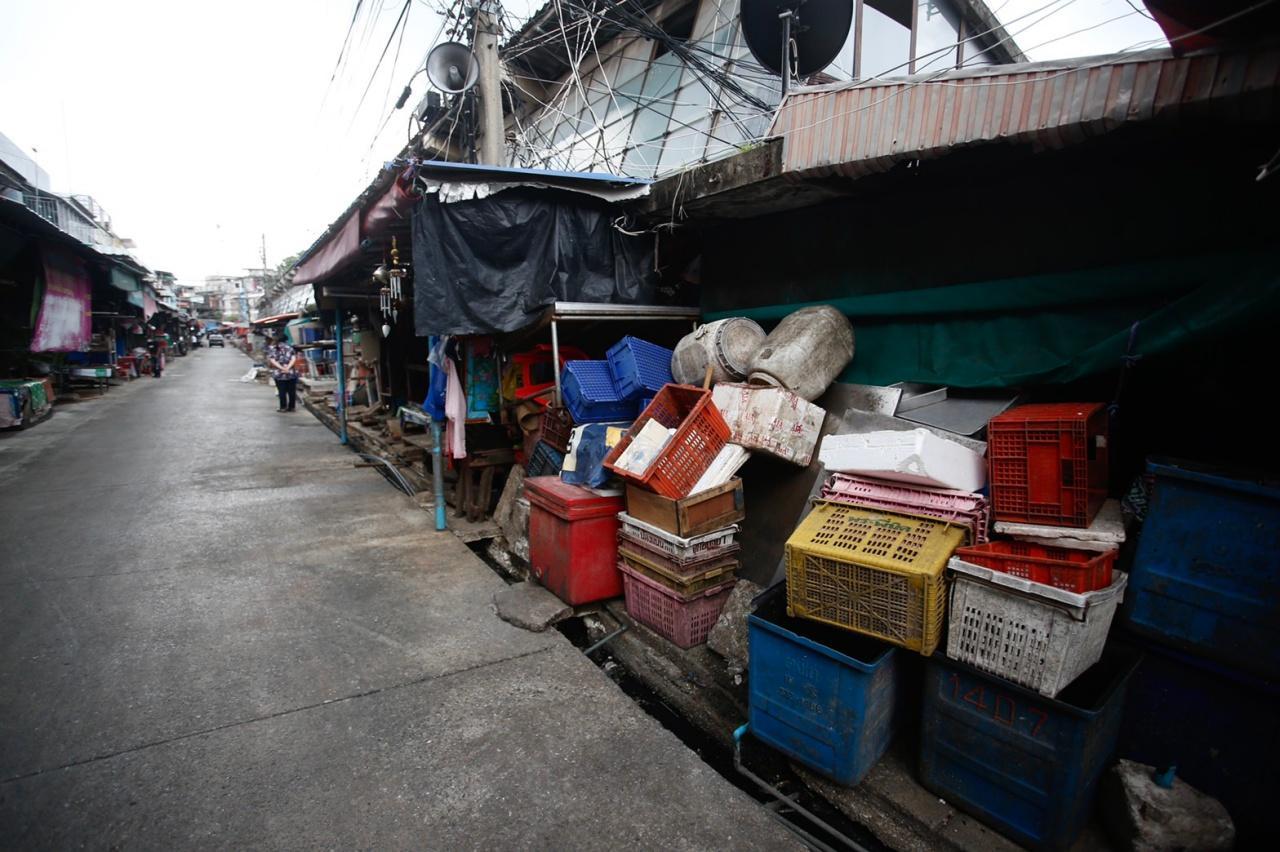 ตลาดสดเทศบาลนครนนทบุรี ในบรรยากาศที่ร้างผู้คน