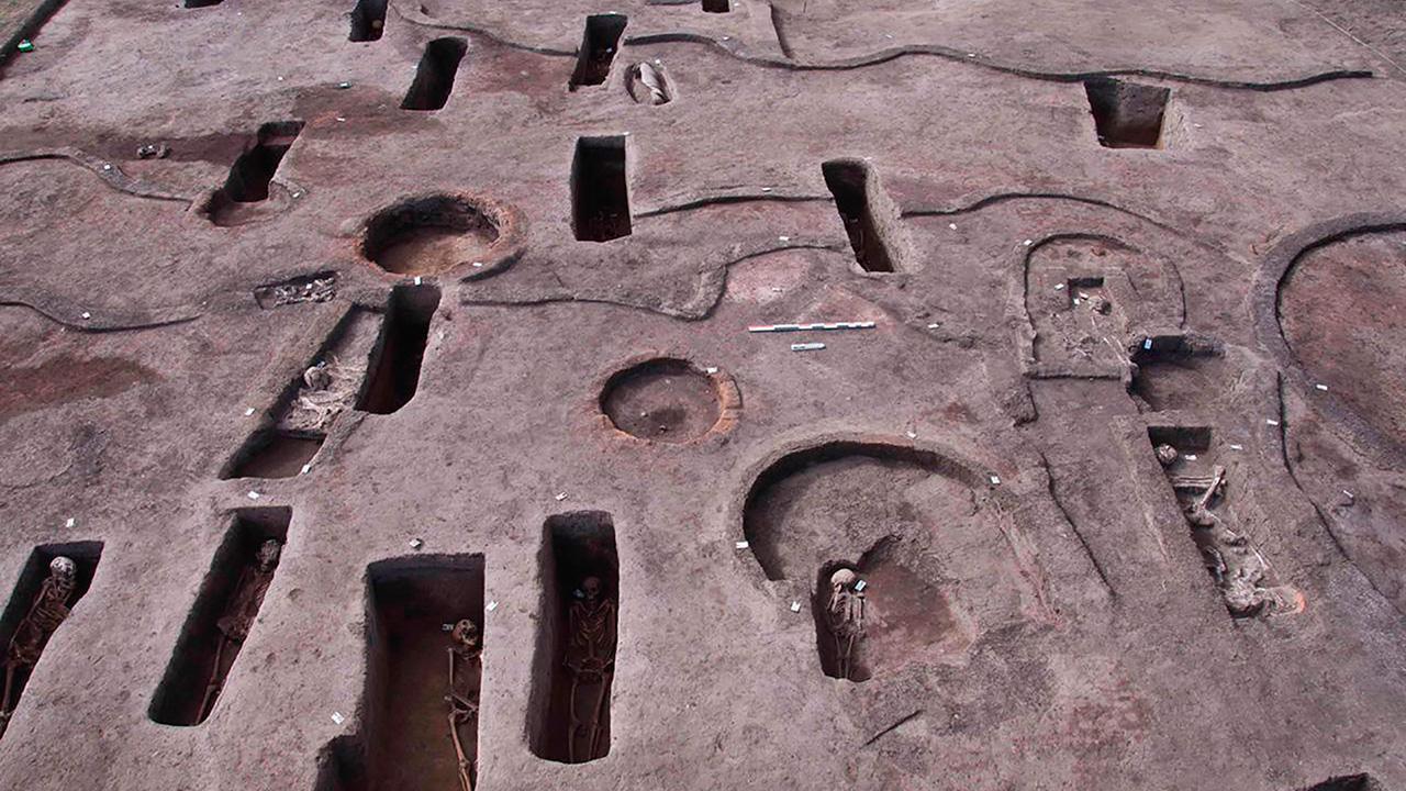นักโบราณคดีอียิปต์ พบสุสานโบราณอีกกว่าร้อยแห่งในดาคาห์เลีย