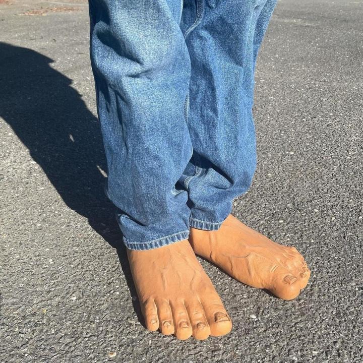 Slip-Ons เลียนแบบเท้ามนุษย์