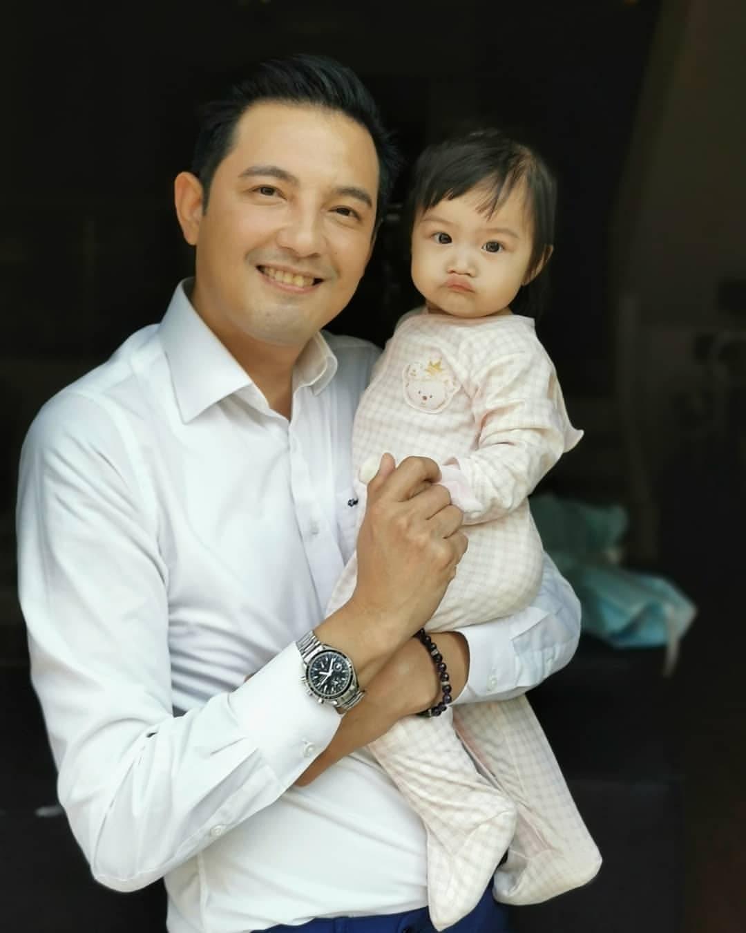 หนุ่ม ศรราม และน้องวีจิ ลูกสาว ขอบคุณภาพจากไอจี @sornram_theappitak