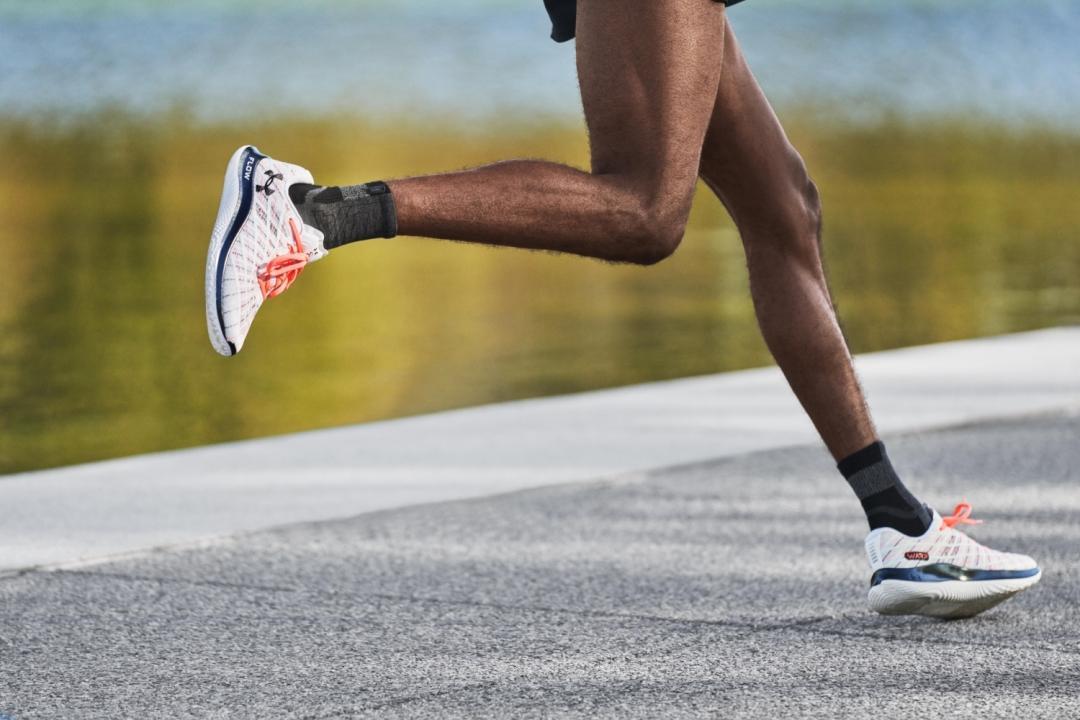 รองเท้าวิ่ง Flow Velociti Wind