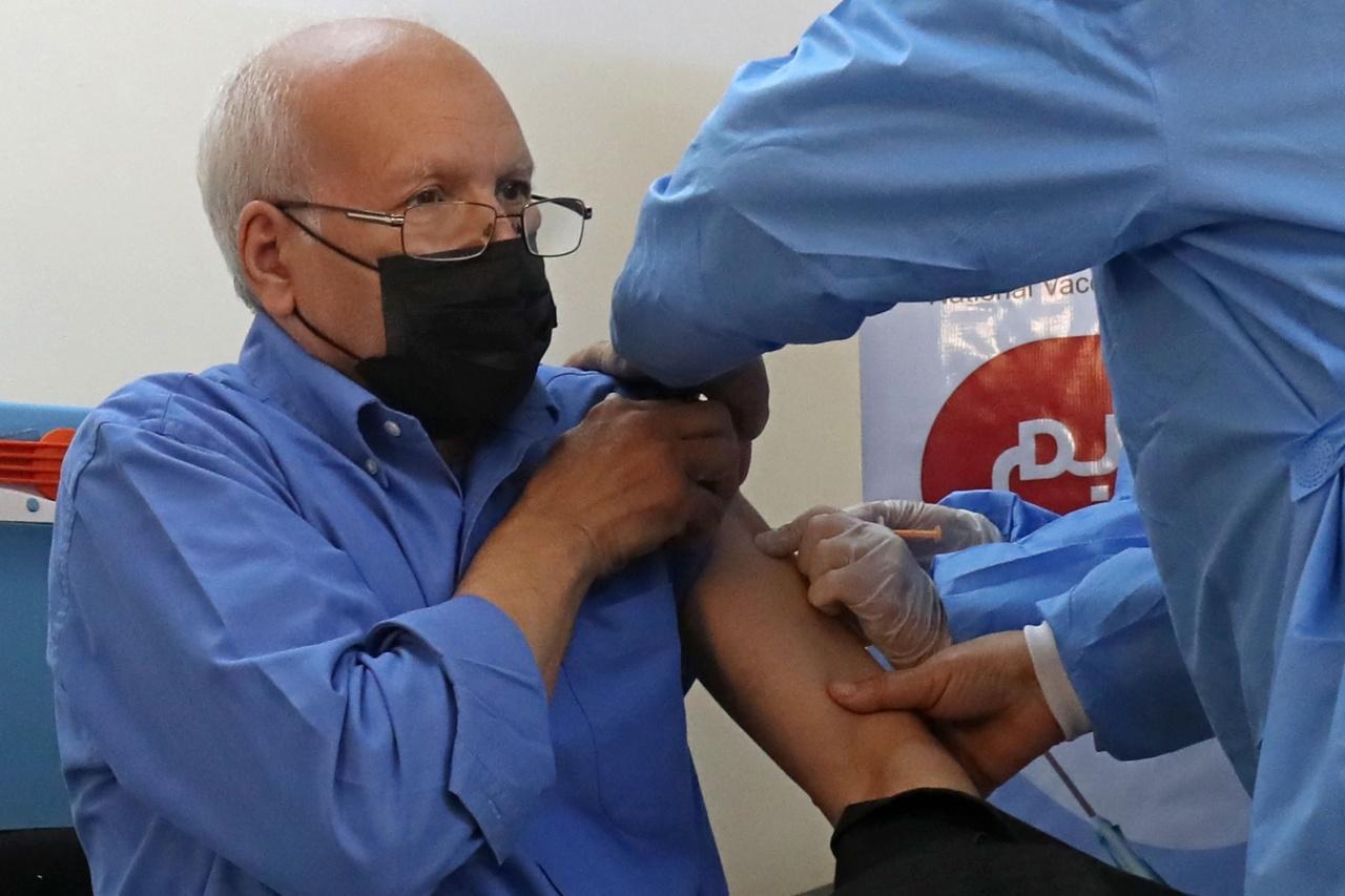ภาพการฉีดวัคซีนแอสตราเซเนกาในลิเบีย