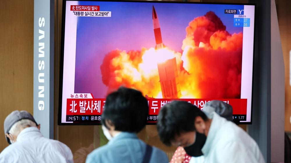 ชาวเกาหลีใต้หยุดดูทีวีรายงานข่าวเกาหลีเหนือทดสอบยิงขีปนาวุธนำวิถีถึง 2 ลูกในวันนี้ (15 ก.ย.)