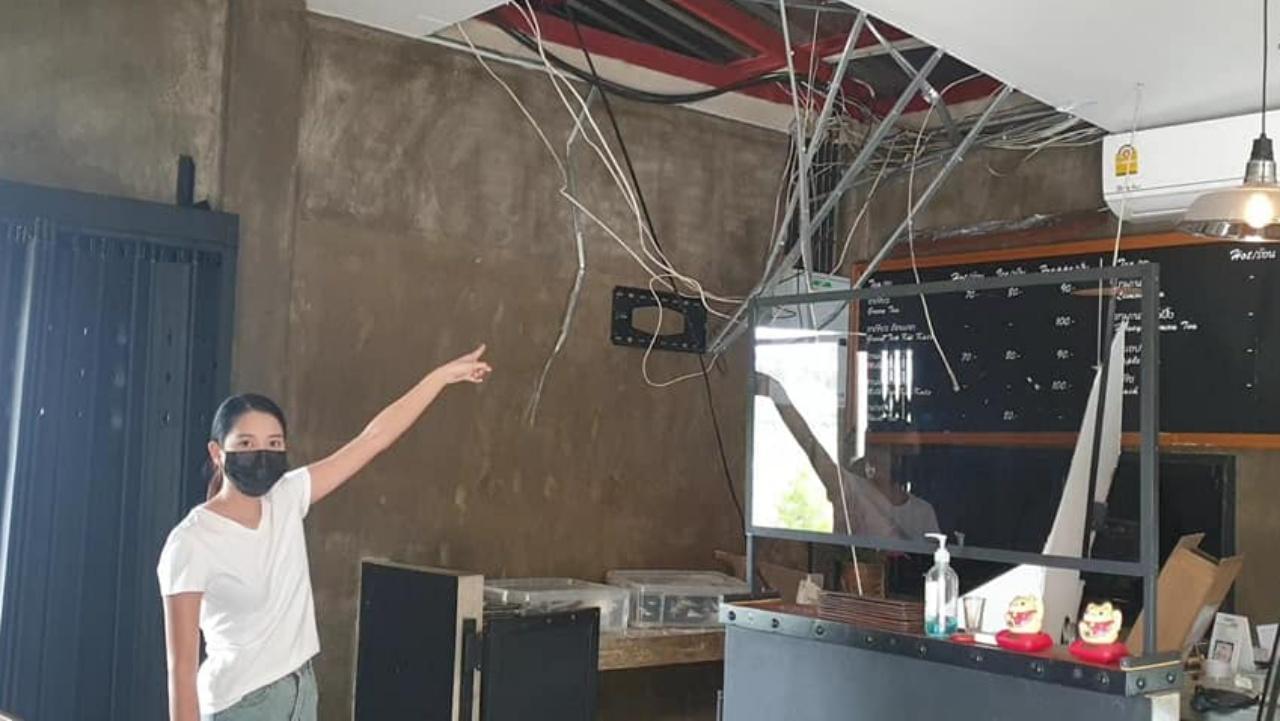 """ล่าโจรแสบปีนหลังคา งัดเข้าร้าน """"ป๋อ ณัฐวุฒิ"""" ขโมยทีวี เครื่องบดกาแฟ (คลิป)"""