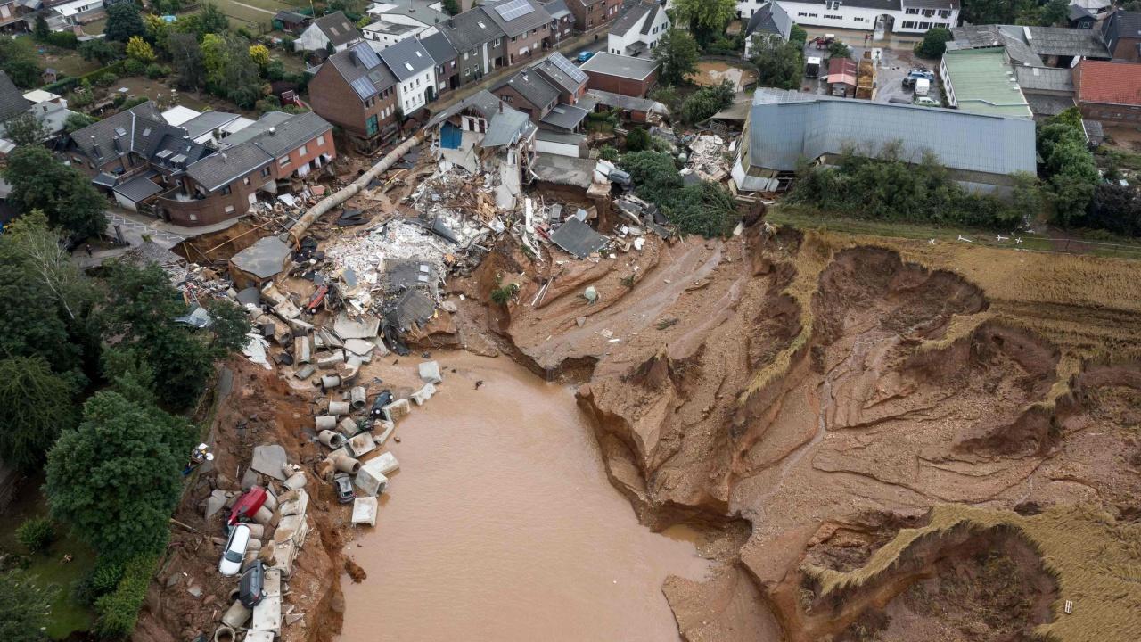 ยุโรปอ่วมน้ำท่วมหนัก สูญหายนับร้อยราย