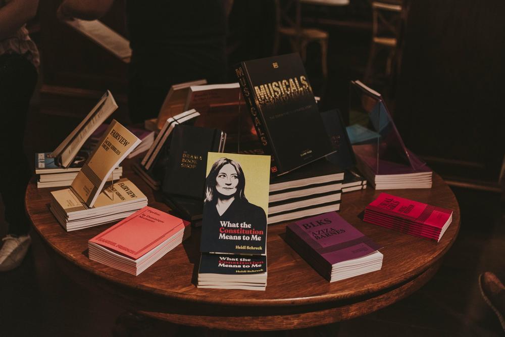 ภาพจาก Drama Book Shop