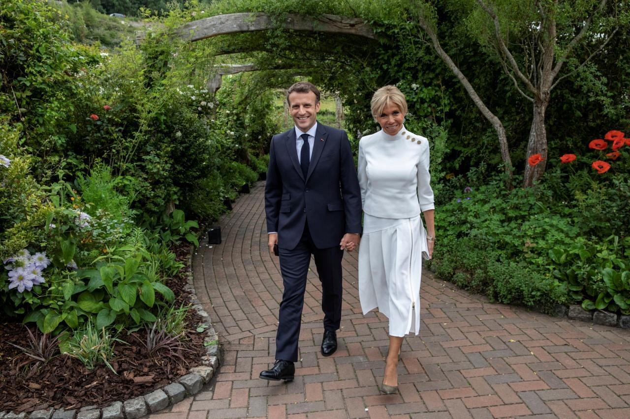 ประธานาธิบดีเอ็มมานูเอล มาครงแห่งฝรั่งเศส และภริยา บริจิตต์ มาครง
