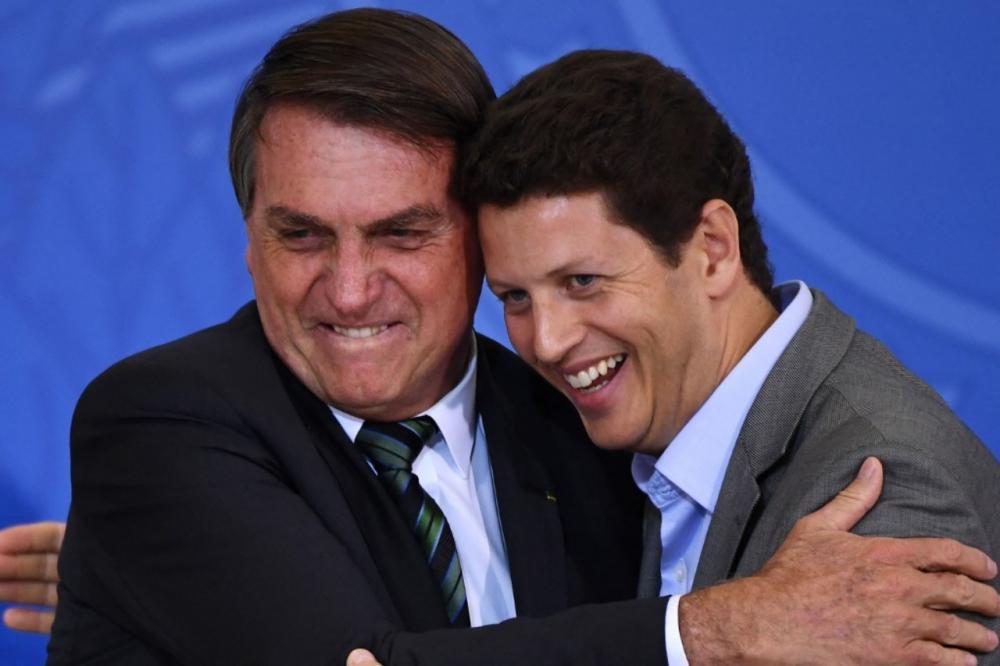 ประธานาธิบดี ชาอีร์ โบลโซนาโร กับนาย รัฐมนตรีว่าการกระทรวงสิ่งแวดล้อมของบราซิล