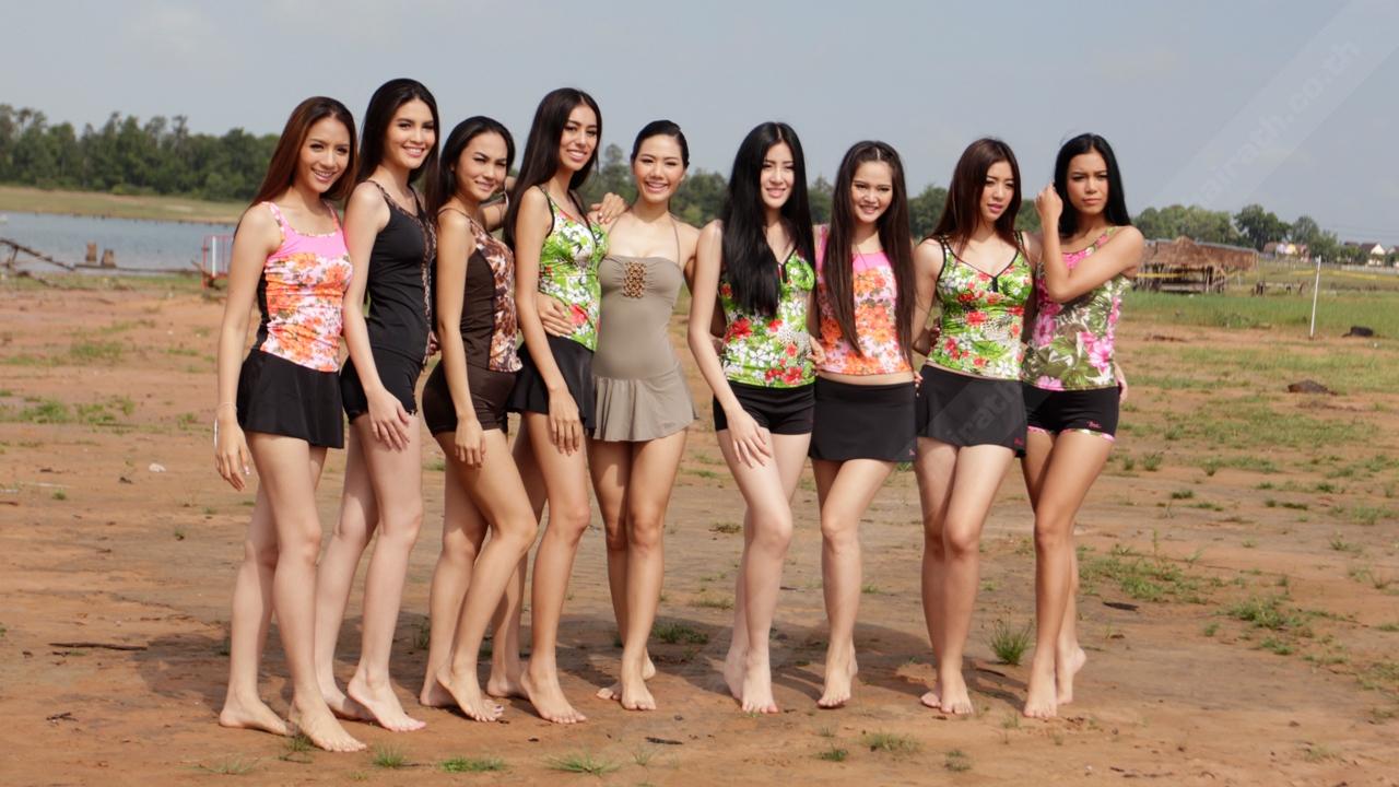 แจ่มทะลุหาดพัทยาน้อย สาวงามมิสยูนิเวิร์สไทยแลนด์ อวดสรีระในชุดว่ายน้ำ