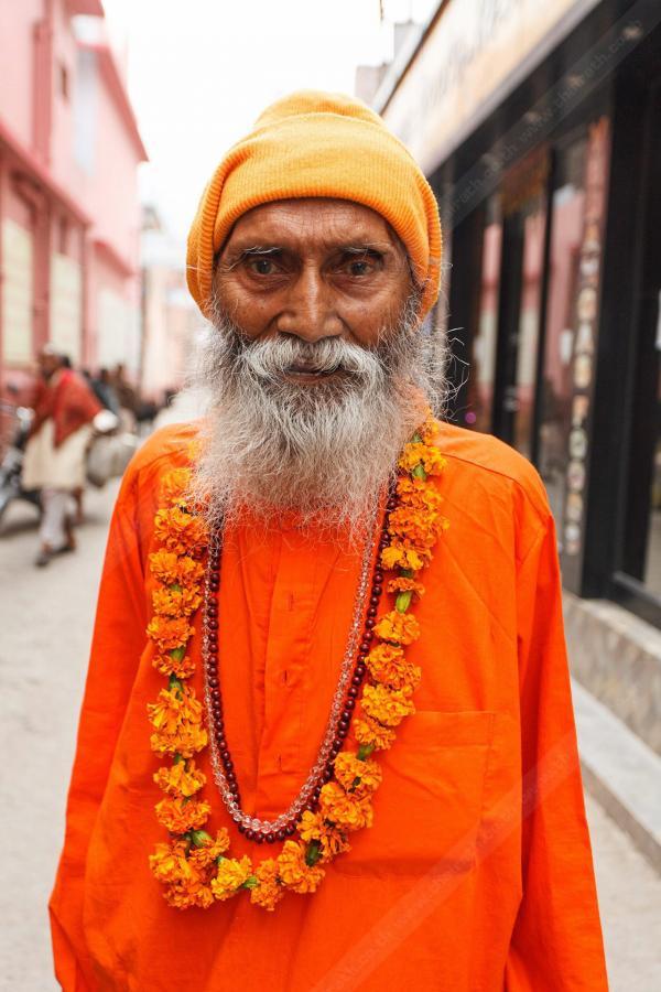 Swami Yogananda Maharaj Ji  กูรูโยคะศาสตร์อายุ 107 ปี.