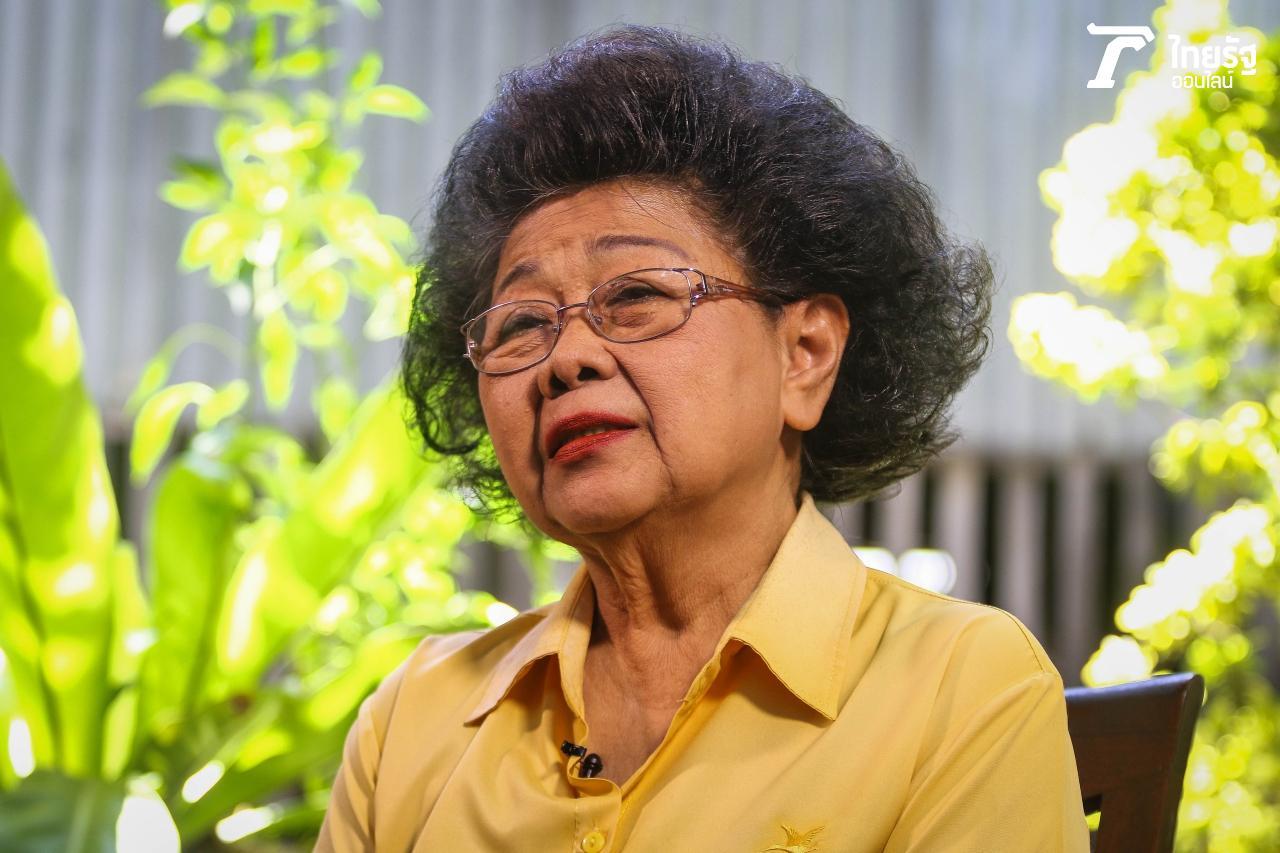 นางเมตตา เสลานนท์ หรือ ครูต้อย วัย 78 ปี ผู้มุ่งมั่นสืบทอดการทำ
