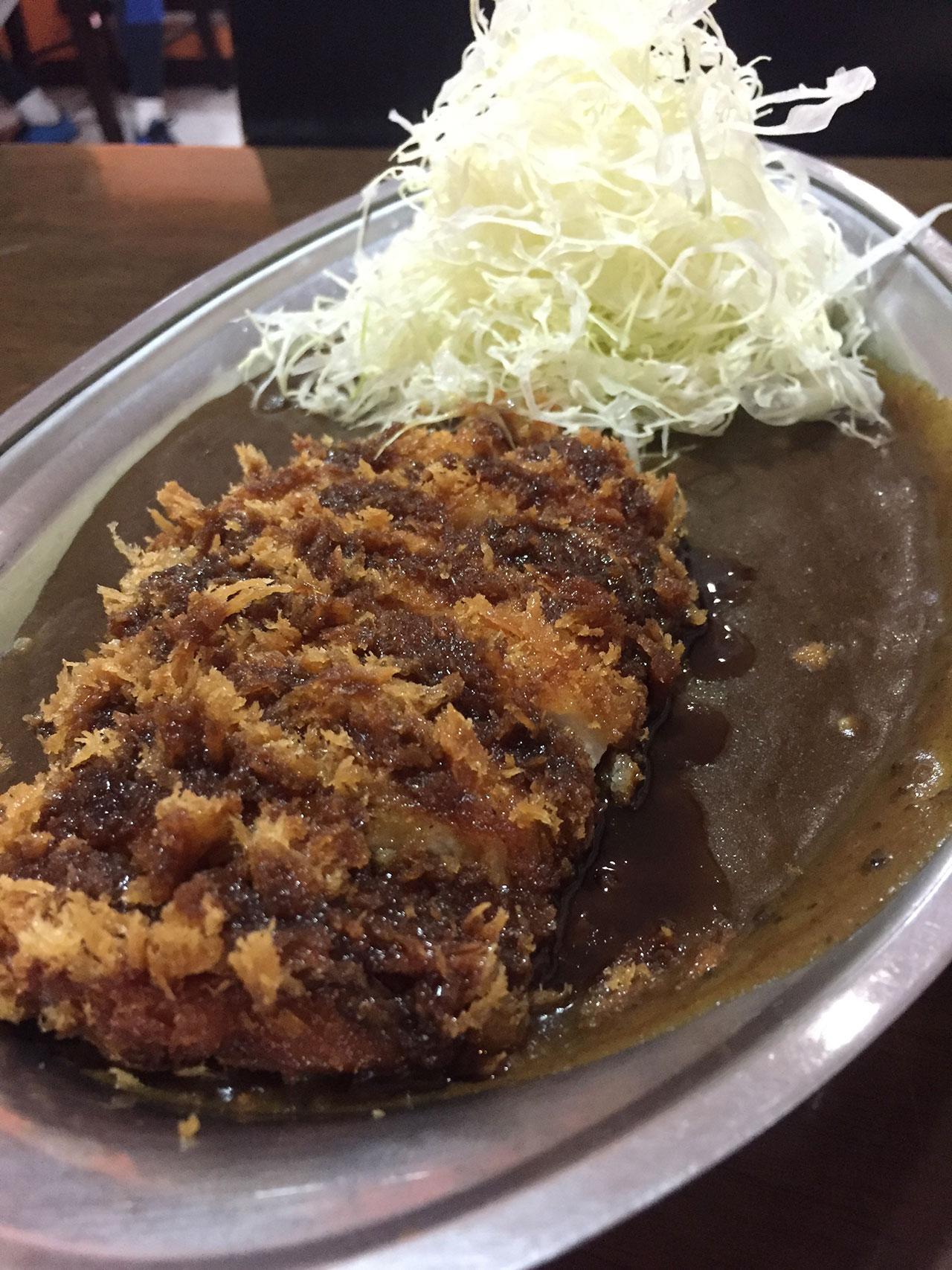ข้าวแกงกะหรี่ เมืองคานาซาวะ จังหวัด อิชิคะวะ ที่มีรสชาติเข้มข้นสุดๆ