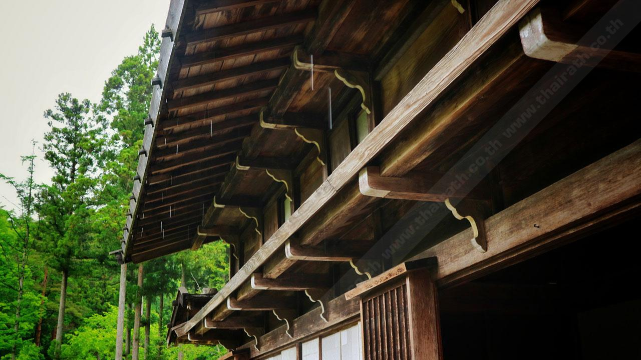 ชายคาบ้านที่มีความละเอียด สวยงาม และแข็งแรง ของบ้าน ชิราคาวาโกะ