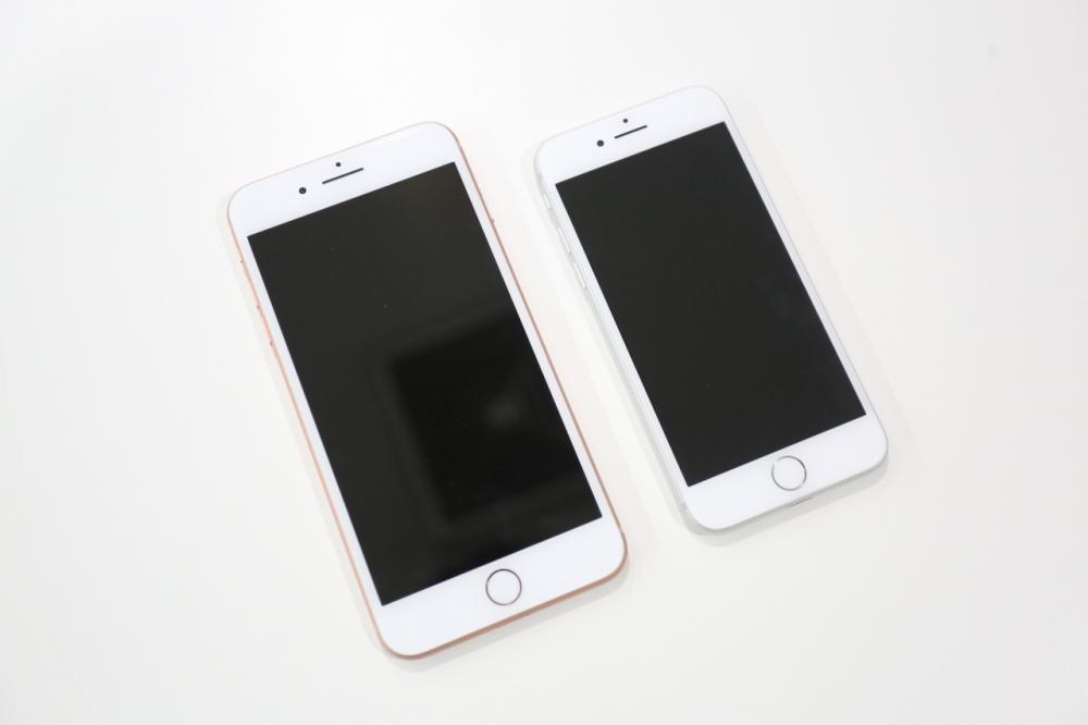 เปรียบเทียบขนาด iPhone 8 และ iPhone 8 Plus