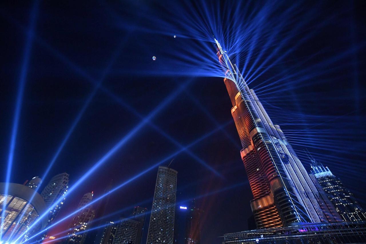 ปีนี้ดูไบไม่จุดพลุที่ตึก เบิร์จคาลิฟา อาคารสูงที่สุดในโลก แต่จัดแสดงแสงสีแทน