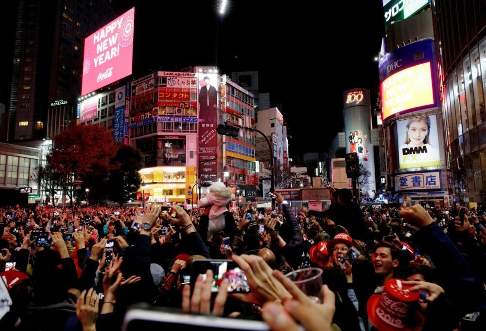 งานนับถอยหลังเข้าสู่ปีใหม่ในย่านชิบุยะของกรุงโตเกียว