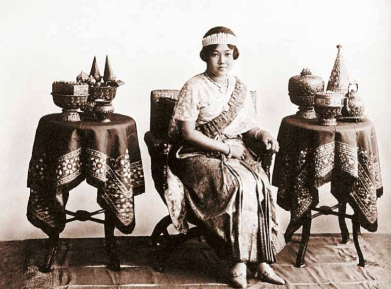 สมเด็จพระนางเจ้ารำไพพรรณี พระบรมราชินี ในหลวง รัชกาลที่ 7