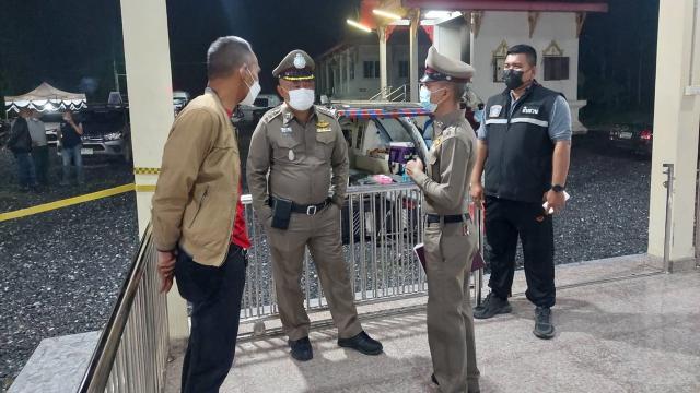 หนุ่มสวนยางก๊งเหล้ากับเพื่อนก่อนมีปากเสียง ถูกอีกฝ่ายยิงดับคาศาลาวัด