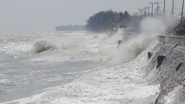 สภาพอากาศวันนี้ มรสุมอ่อนลง แต่ยังมีฝน ทะเลคลื่นลมปานกลาง-ชาวเรือระวัง