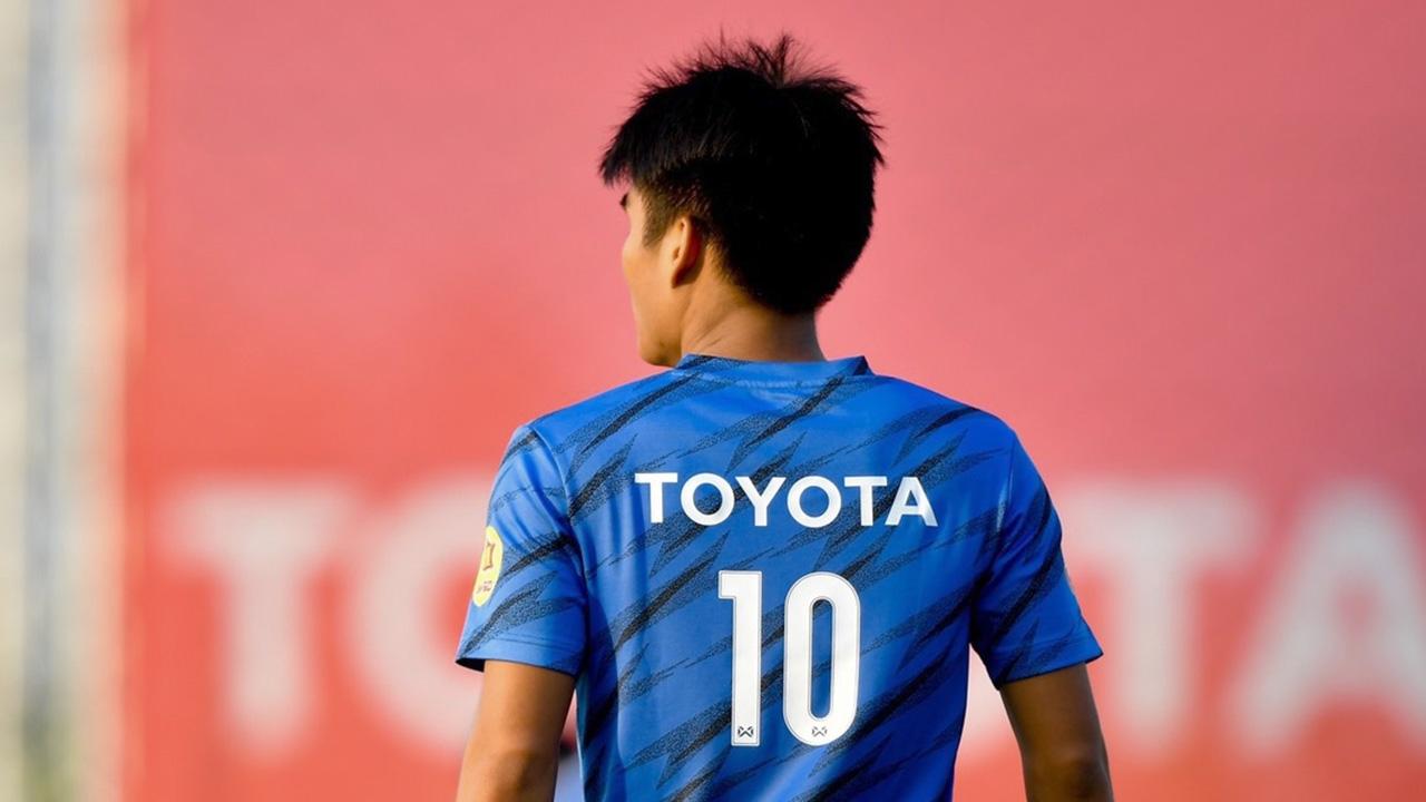 ใครใส่เบอร์ 10 ประกาศหมายเลขเสื้อ 24 แข้งทีมชาติไทย ชุดดวลไทยลีก ออลสตาร์