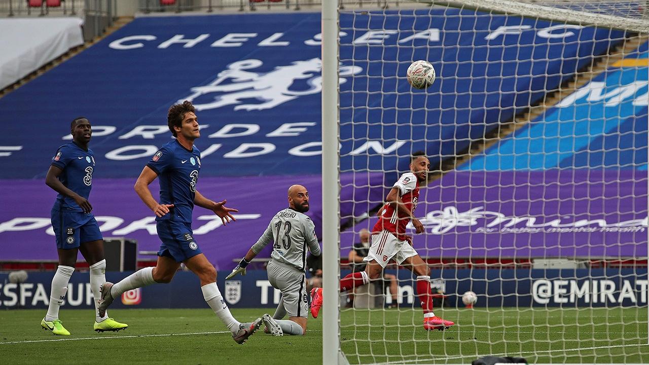 อาร์เซนอล แซงดับ เชลซี 10 คน 2-1 ผงาดแชมป์เอฟเอคัพ สมัย 14