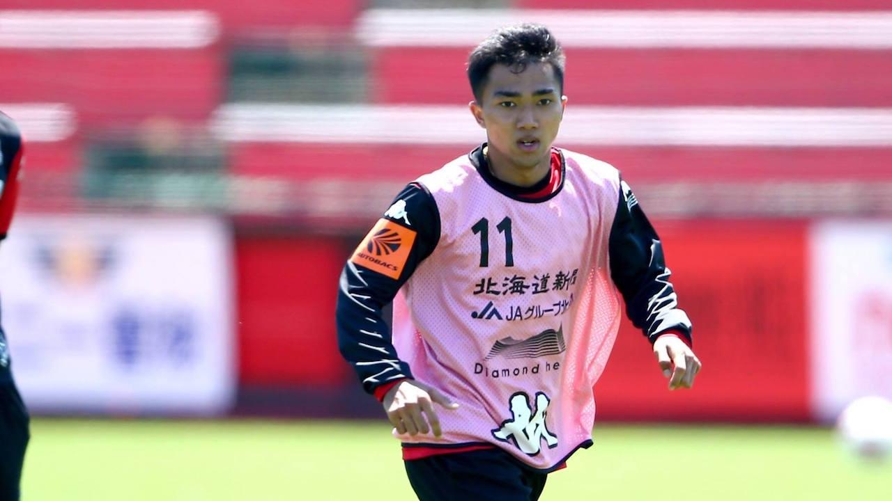 'ชนาธิป' เล่น 2 ตำแหน่งตอนซ้อม แฟนบอลญี่ปุ่นติดใจชอตผ่านบอลนัดล่าสุด