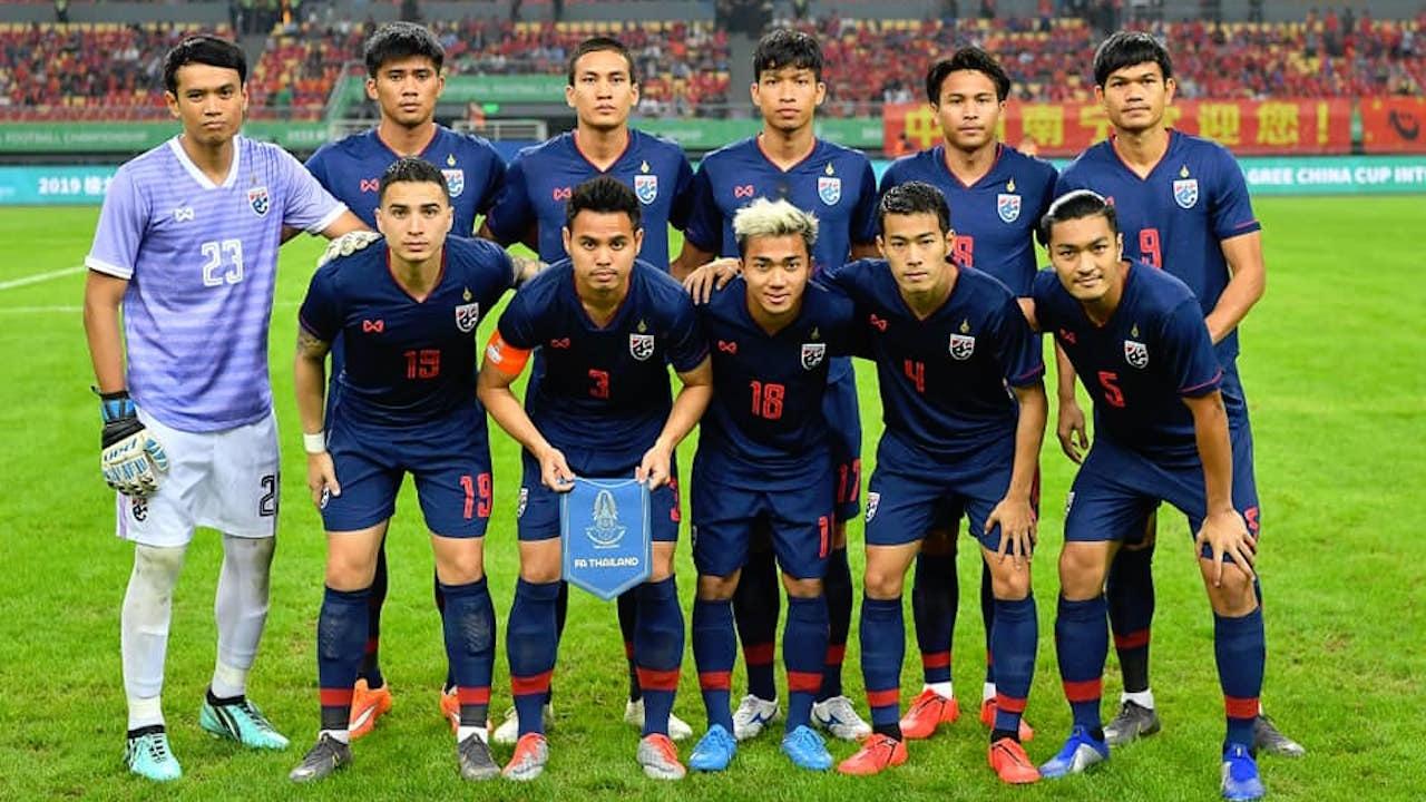 """โพลระบุแฟนบอลอยากได้โค้ชไทย นั่งแท่นกุนซือ """"ช้างศึก"""" คนต่อไป"""