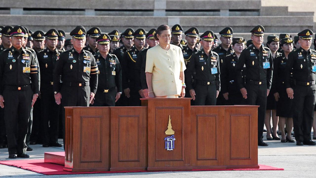 สมเด็จพระเทพรัตนราชสุดาฯ สยามบรมราชกุมารี  เสด็จพระราชดำเนินไปทรงรับการถวายความเคารพจากแถวนักเรียนนายร้อย เนื่องในโอกาสเปิดภาคการศึกษา ประจำปีการศึกษา 2562 ณ โรงเรียนนายร้อยพระจุลจอมเกล้า เมื่อวันที่  1  พฤษภาคม.