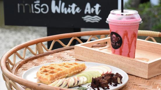 """นั่งชิลกินลมชมธรรมชาติ กับร้าน """"White art cafe"""""""