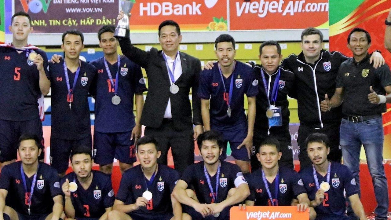"""""""บิ๊กป๋อม"""" เผยอาจมีช่องทางชมเกม ทีมชาติไทย บู๊ อิรัก เพลย์ออฟฟุตซอลโลก 2021"""