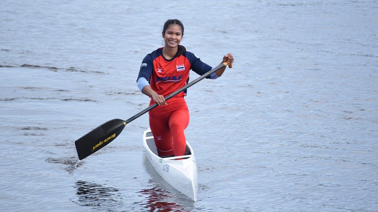 """""""อรสา เที่ยงกระโทก"""" นักกีฬาเรือแคนูสปรินต์ คว้าโควตาโอลิมปิกเกมส์ 2020"""