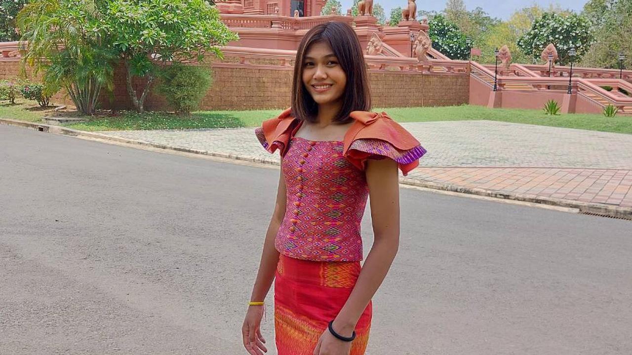 """ชมภาพชุด """"บีม พิมพิชยา"""" นักวอลเลย์บอลหญิงทีมชาติไทย สวมชุดไทยเทศกาลสงกรานต์"""