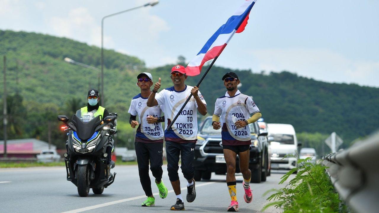 ตำนานลมกรดโอลิมปิก 1992 ร่วมวิ่งผลัดธงชาติไทย เส้นทางนครศรีฯ วันที่ 17