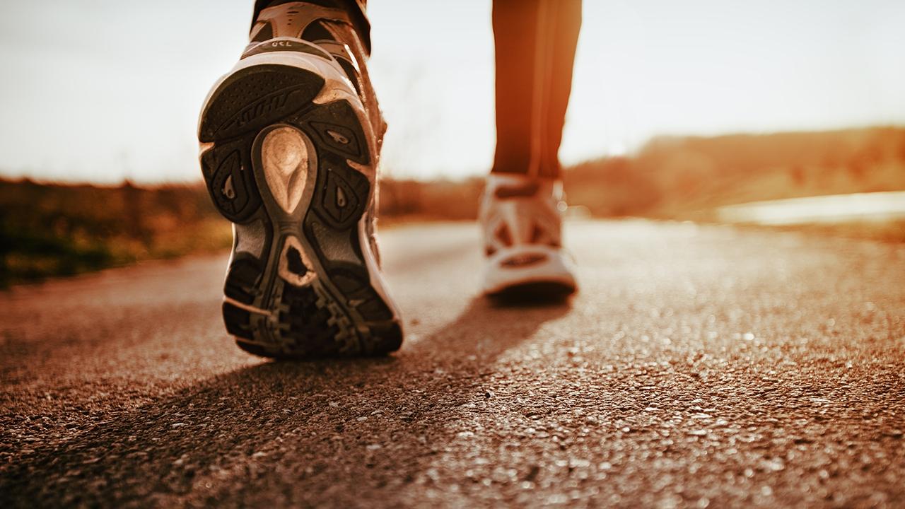 วิ่ง หรือ เดิน