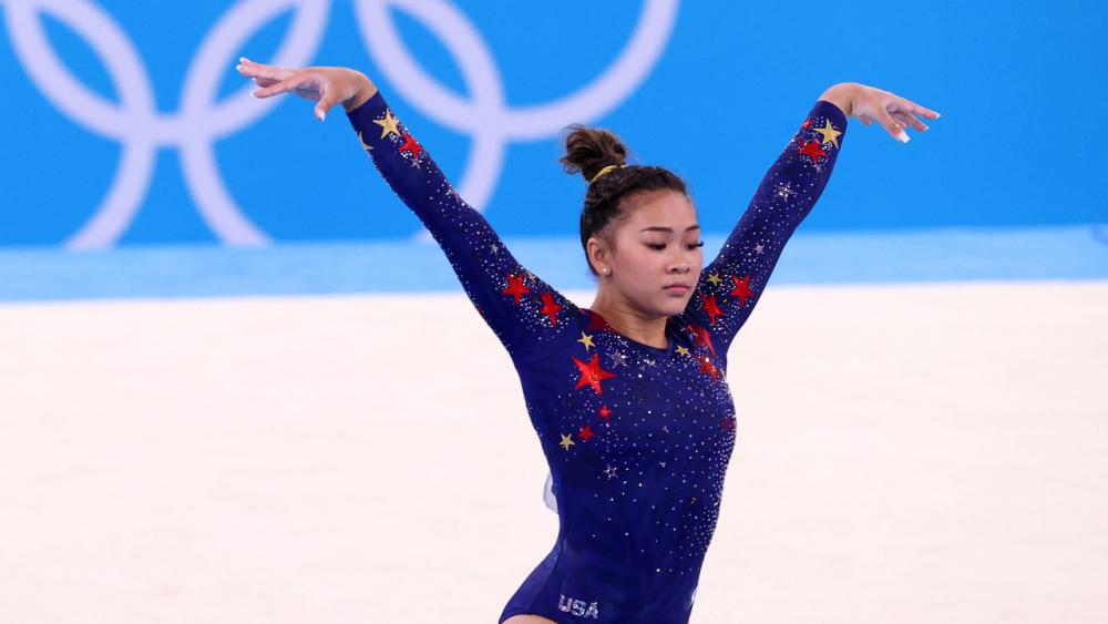 นักยิมนาสติกเชื้อสายม้ง คว้าเหรียญเงินโอลิมปิก 2020