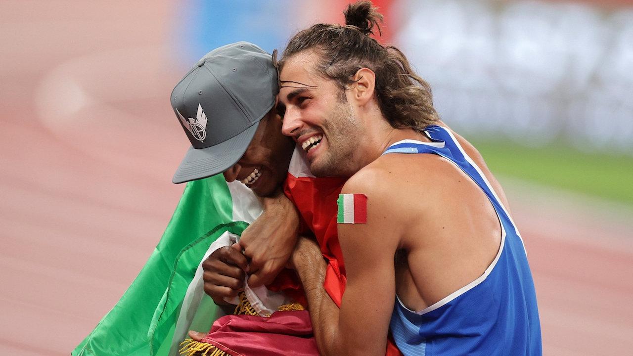 ตำนานโอลิมปิก ส่ายหัว นักกระโดดสูง กาตาร์-อิตาลี รับเหรียญทองร่วมกัน