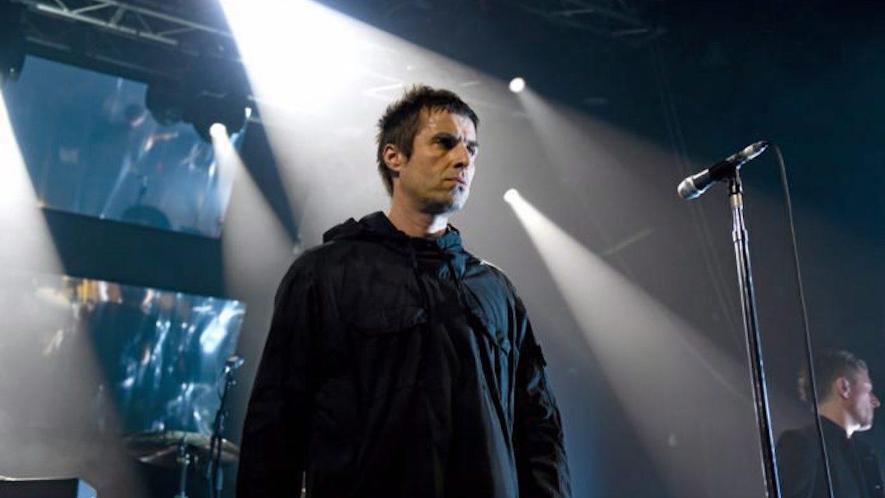 """""""เลียม กัลลาเกอร์"""" อดีตนักร้องนำ Oasis โพสต์ """"โรนัลโด คือใคร"""" หลังย้ายซบแมนยูฯ"""
