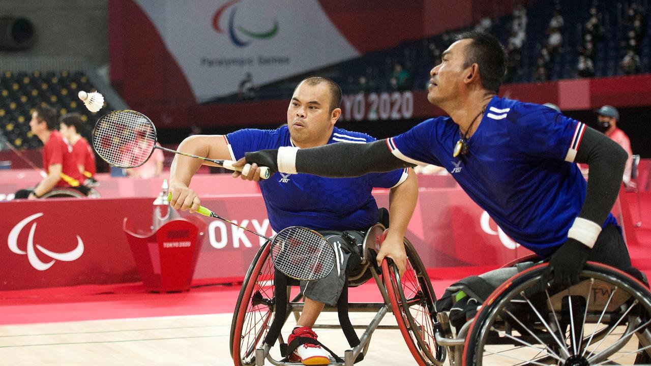 แบดมินตันไทย เข้ารอบรองชนะเลิศ 3 ประเภท พาราลิมปิก 2020 ใกล้ลุ้นเหรียญอีกก้าว