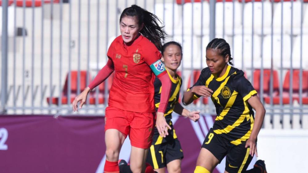 """""""ศิลาวรรณ"""" พอใจแข้งสาวไทยชนะมาเลย์ แม้ห่างเกมระดับชาติไปนาน"""